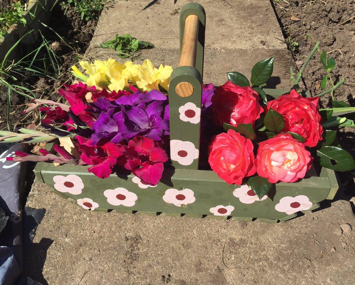 floraltruggladrose2016
